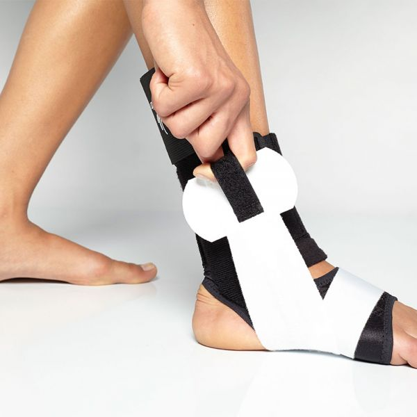 Ankle brace for lateral support