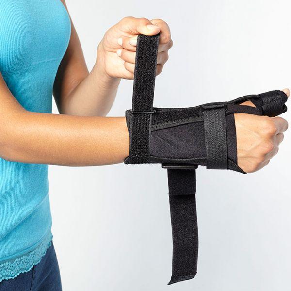 Comfortable wrist and thumb brace