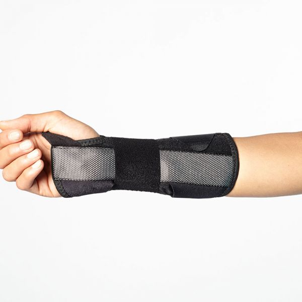Supportive wrist brace