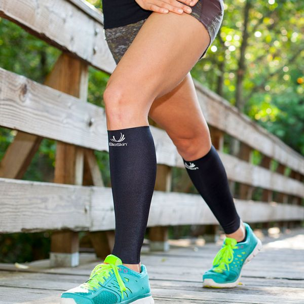 Medical grade compression sleeve for shin splints