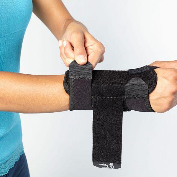 Comfortable wrist brace