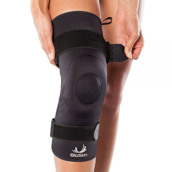 Knee brace with patella stability