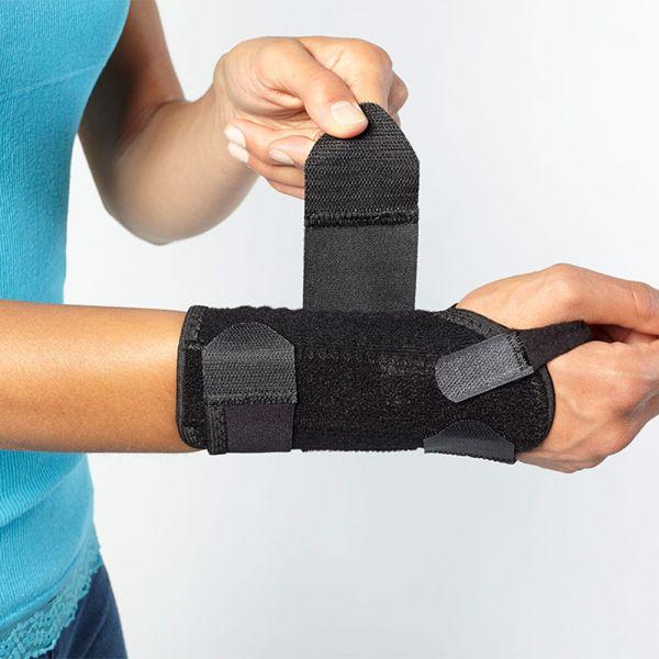Hypoallergenic wrist brace